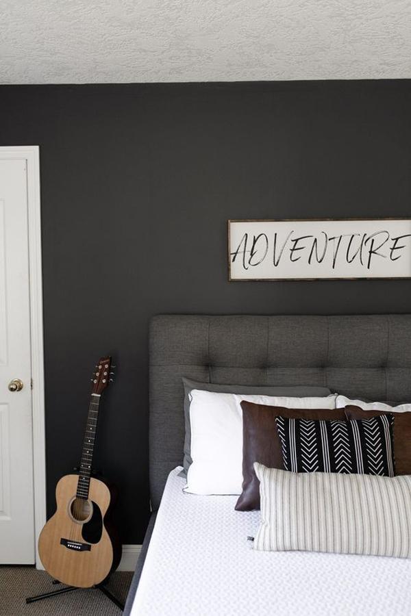 modern-and-minimalist-bedroom-design-for-teen-boys