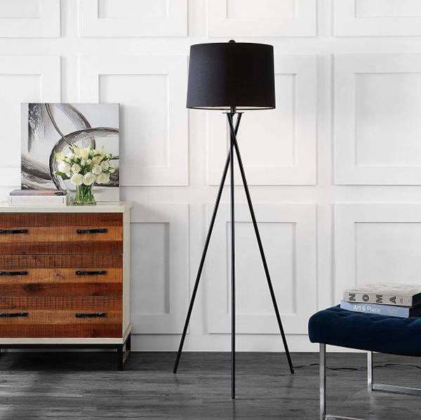 modern-black-tripod-floor-lamps