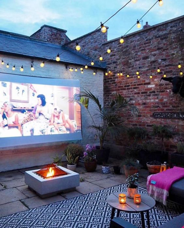 private-backyard-movie-night-with-firepit