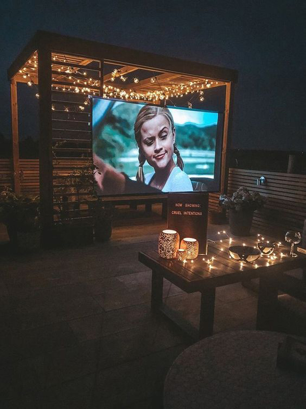 romantic-outdoor-cinema-with-string-lights