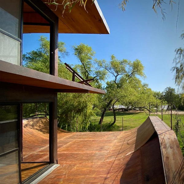 sustainable-house-with-skate-park